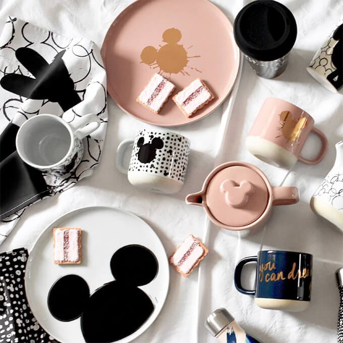 Salt&Pepper Disney Dinnerware