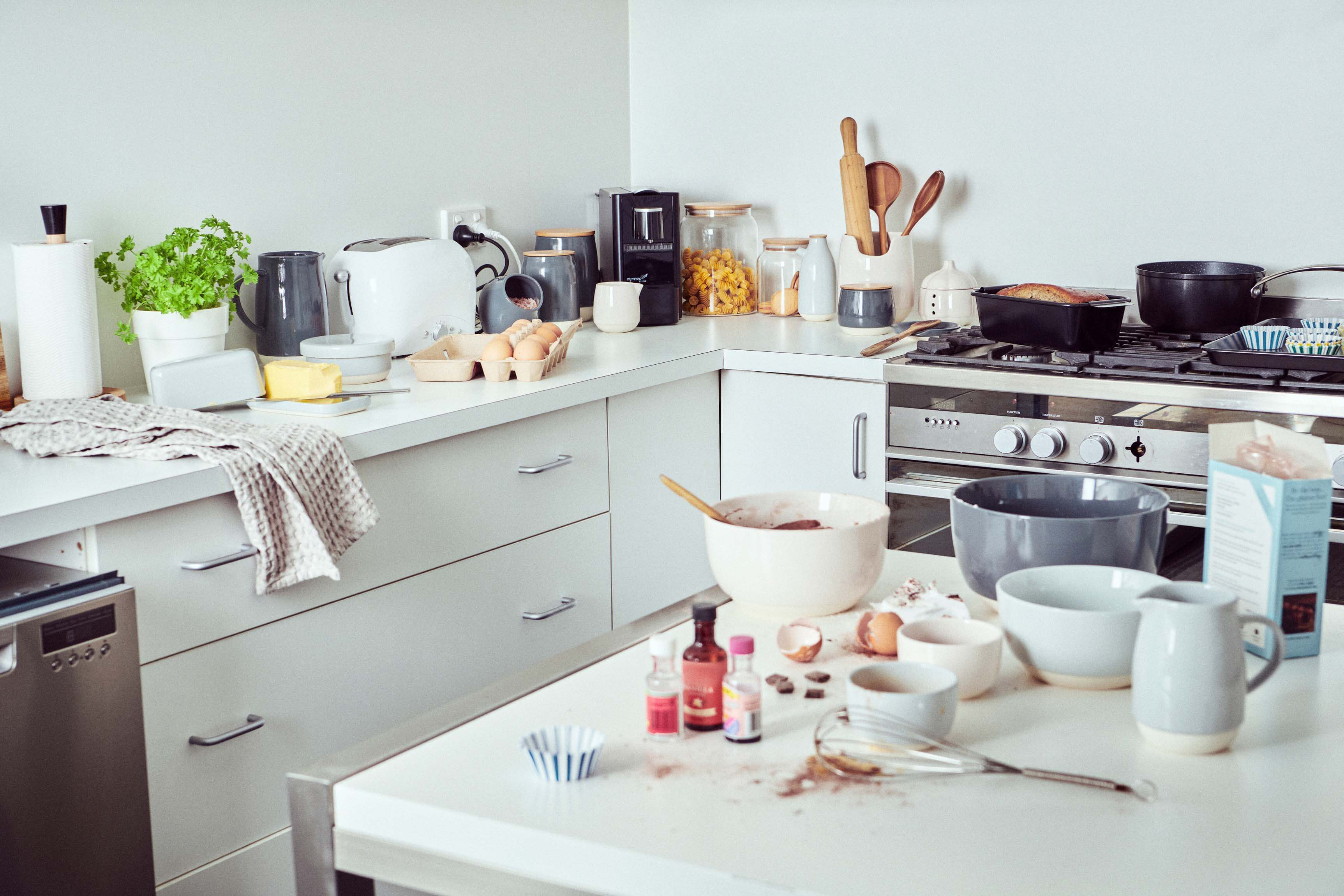 Keeping Your Kitchen Organised When Your Life is a Mess: A Guide
